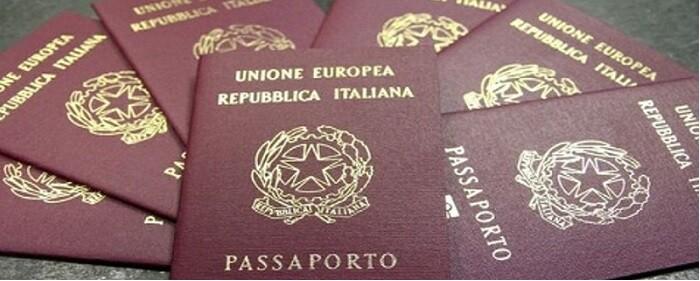 Passaporto italiano e permesso di soggiorno a confronto ...