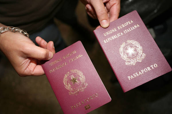 passaporto passport passeport Italia Italy
